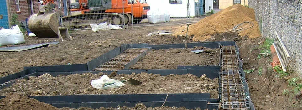 Groundworks civil engineering landscaping patios for Digging foundation for house