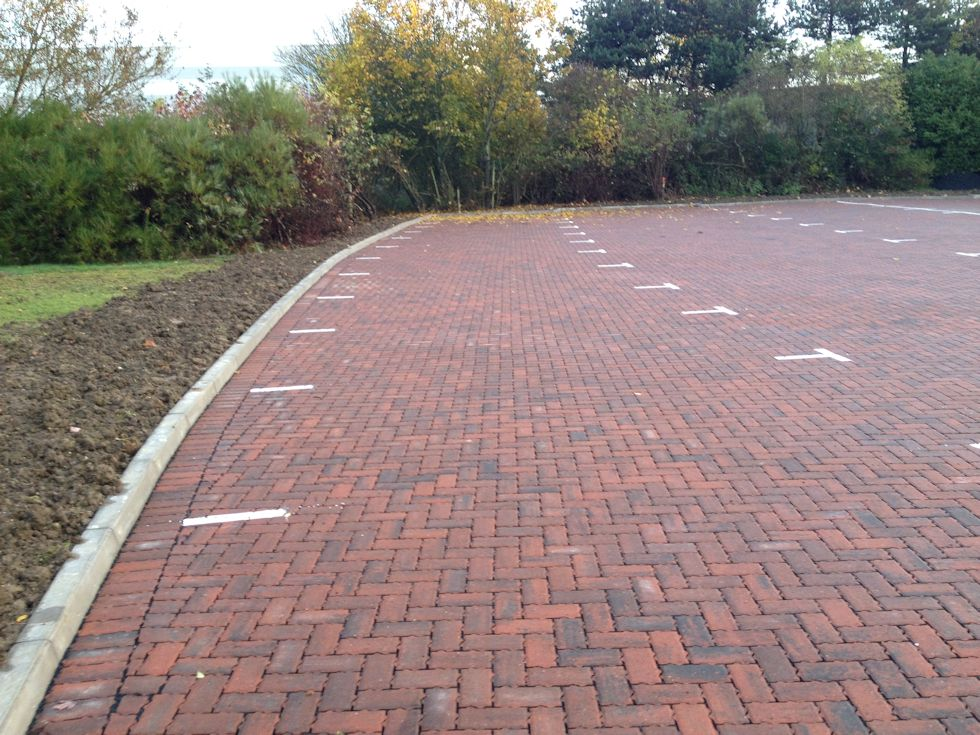 milton-keynes-bedfordshire-red-bull-technology-car-park-extension-porous-paving.jpg